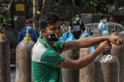 """인도 법원 """"산소 부족 코로나19 환자 사망은 집단학살 범죄"""""""